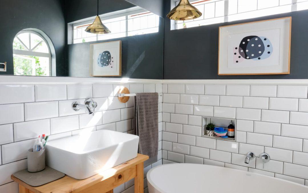 30 Genius Design & Storage Ideas for Your Small Bathroom