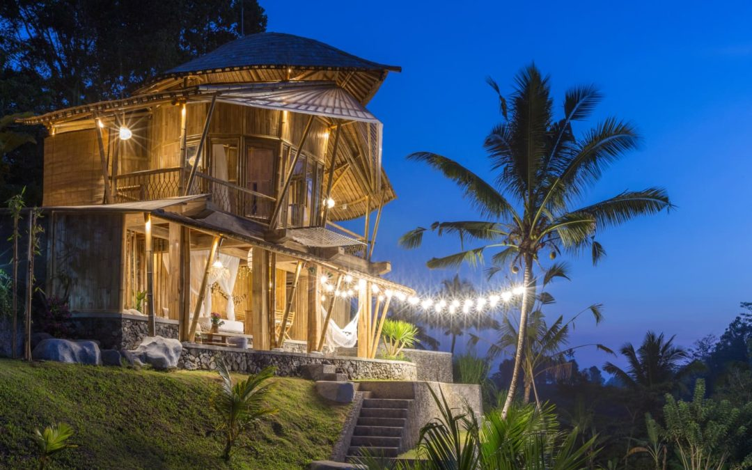 """5 Unique Airbnbs From Netflix's """"The World's Most Amazing Vacation Rentals"""" That You Can Stay In"""