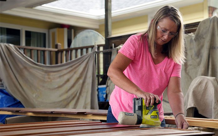 Painting Kitchen Cabinets: How to Do it The Right Way