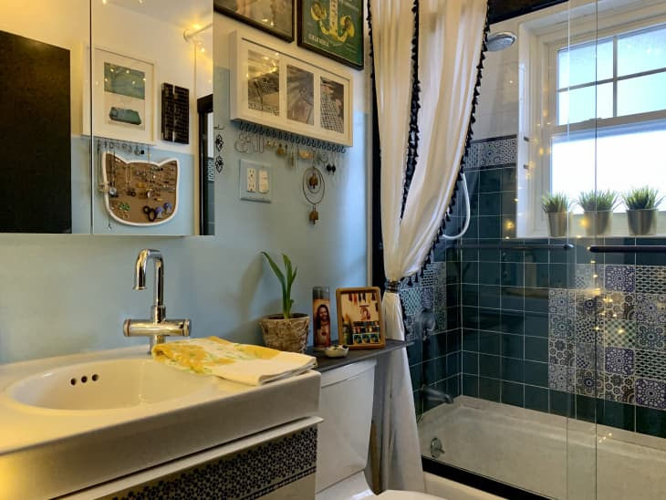 A Bathroom Is the Perfect Place for Color, and These 20 Spaces Are Proof