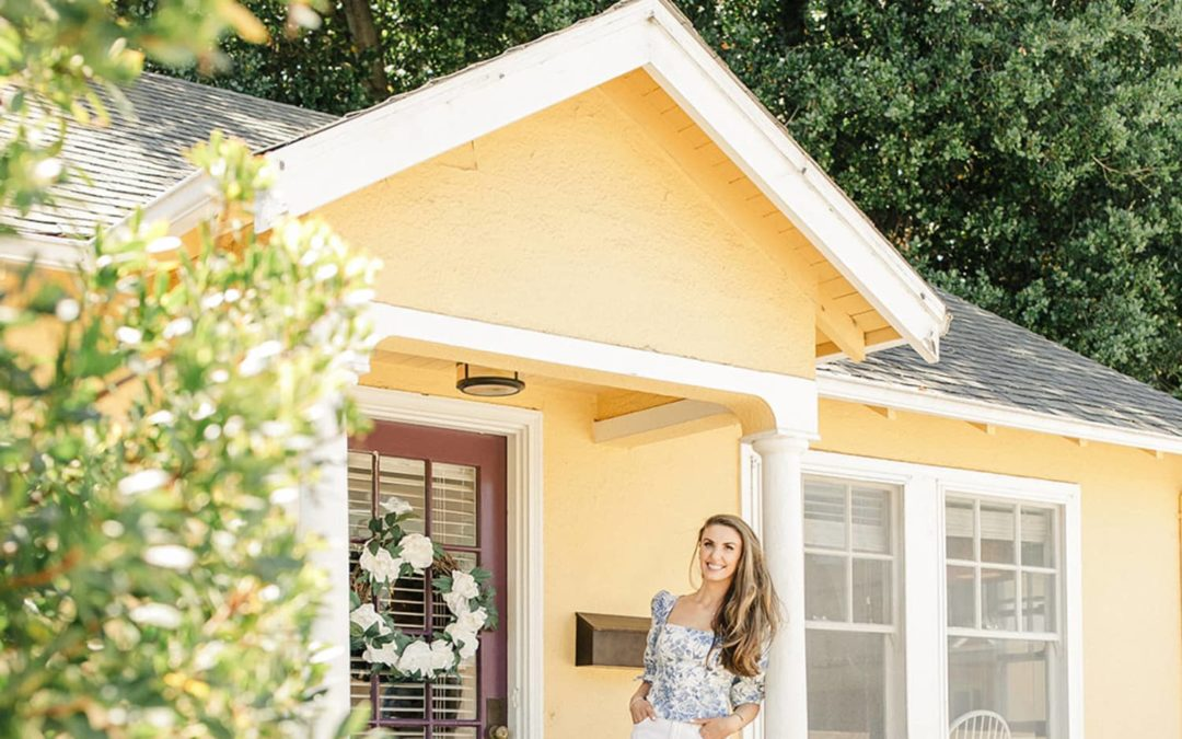 'English Cottage Meets Grandmillennial California Casual' in an Adorable Rental