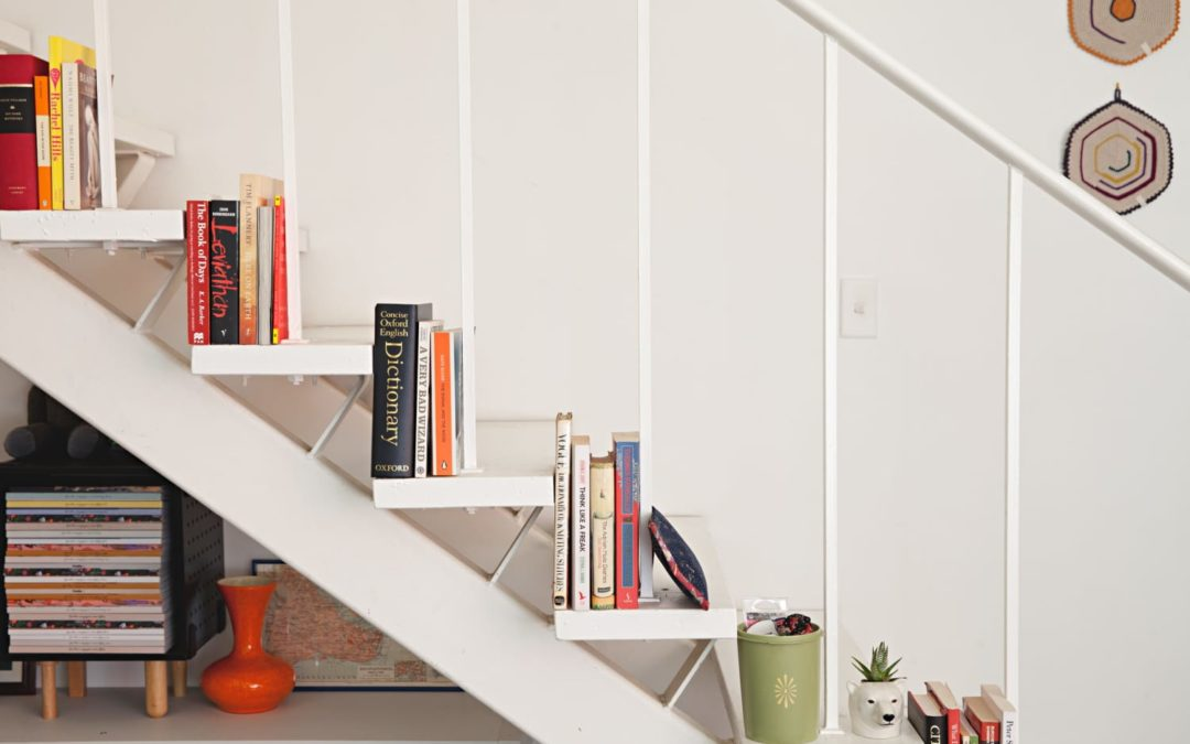 5 Reasons Why I Don't Organize My Books By Color or Title