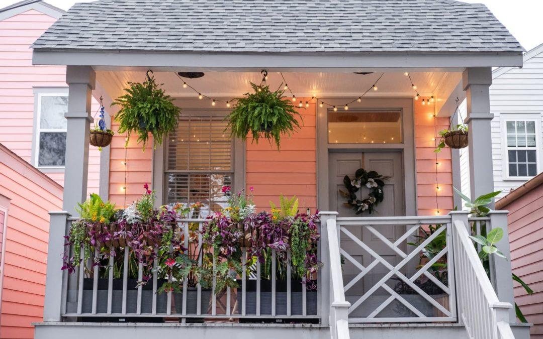 5 Simple Ways to Master Curb Appeal Beyond Your Front Door, According to Designers