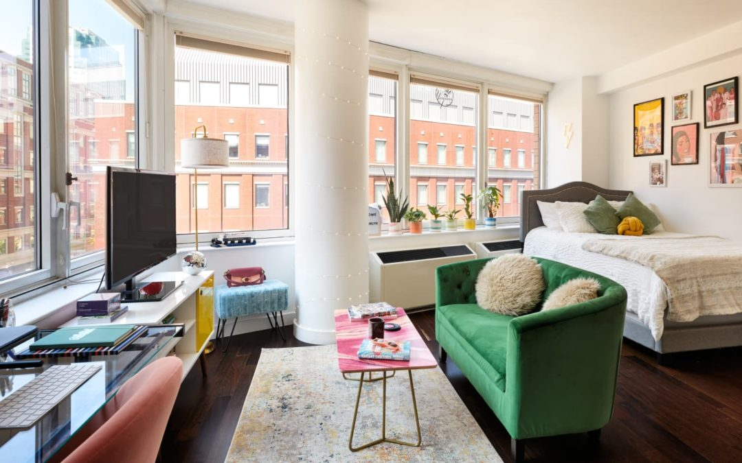 A 400-Square-Foot Studio Deals with a Small Space & Weird Layout Beautifully