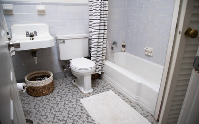Making a Small, Outdated Bathroom Look Fabulous