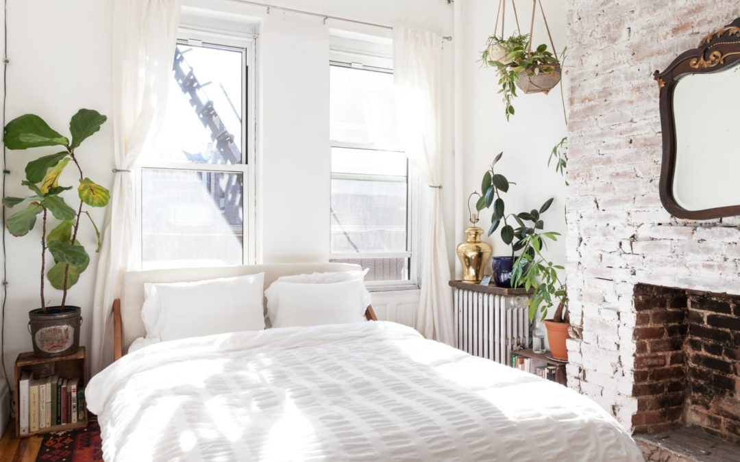 5 Blankets and Comforters That Are Keeping Us Cozy in the Cold Weather