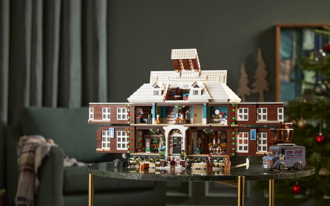 """LEGO Just Released a """"Home Alone"""" Set, and It Doubles as an Advent Calendar"""
