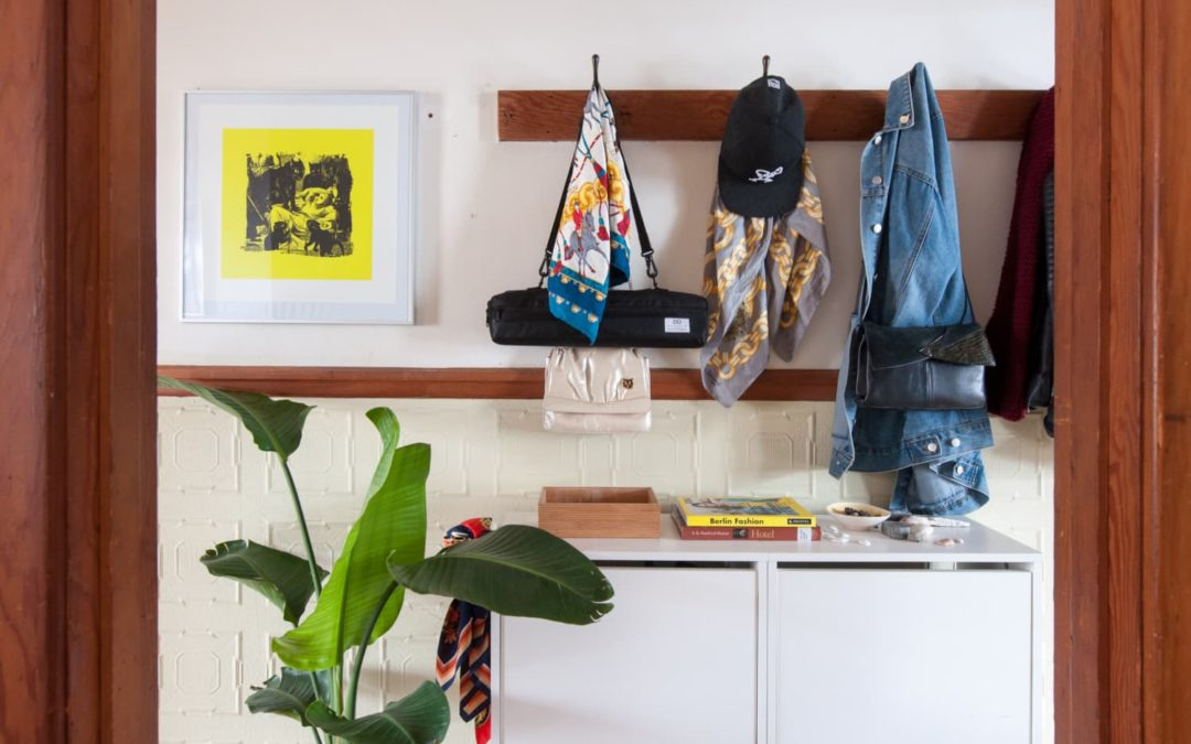 One Way You Can Trick Your Brain To Make Decluttering Easier